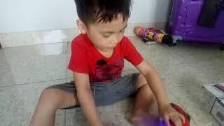 Henry chơi xe điều khiển từ xa bá đạo