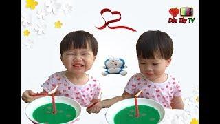 Bé Dâu cùng mẹ cùng thí nghiệm và quan sát sự dịch chuyển của nước♥♥  Dâu Tây ToysReview TV