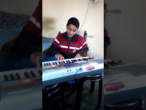 Thando re thando song playing on keyboard