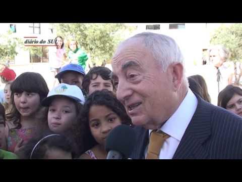 Escola da Malagueira tem como patrono Manuel Ferreira Patr�cio