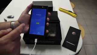 RED Hydrogen One phone unboxing, powerup, screen.
