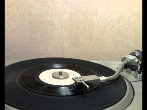 Ambrosia - Livin' On My Own [stereo 45 version]