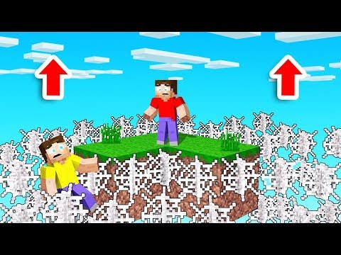 MINECRAFT But COBWEBS Rise EVERY 10 SECONDS! (scary)