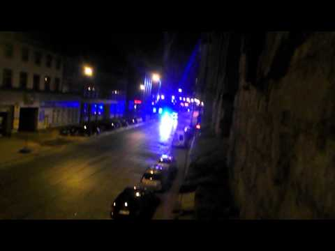 HD Alarmowo karetka LED i policja LED Ambulance and police responding.