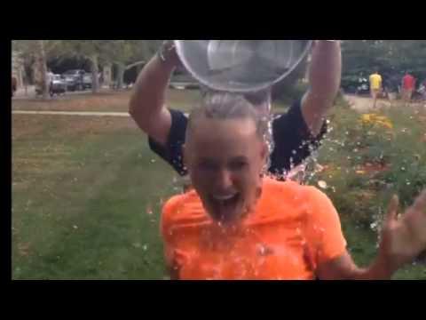 Caroline Wozniacki didn't use ice in her Ice Bucket Challenge