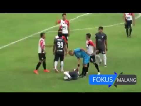 SHAOLIN SOCCER ALA INDONESIA 2018 (PSBK BLITAR VS PERSEWANGI BANYUWANGI) LIGA 2
