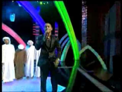 بكاء الجمهور عند سماع أغنية (محمد نبينا).flv