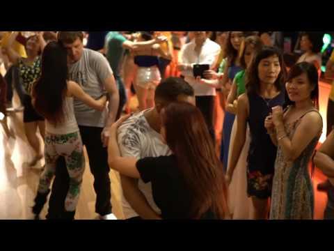 Zouk SEA 2016 Social Dances  Larissa and Alex ~ video by Zouk Soul