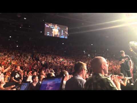 Gunnar Nelson - Fans React to Intro at UFC in Dublin