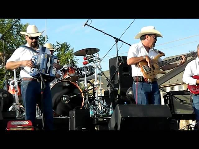 Maravia: At Tejano Explosion 2012