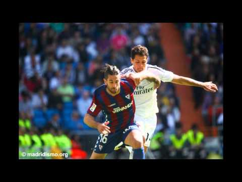 Real Madrid defeat Eibar 3-0 in the Bernabeu Slideshow
