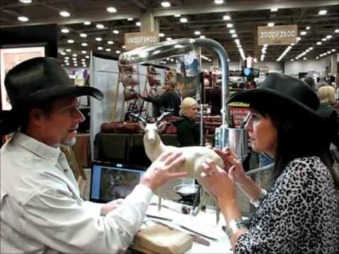 Mark James Sculpting Live Dallas Safari Club - with Becky Lou