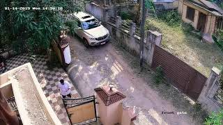 Test drive new Mahindra ALTURAS G4 (top view)