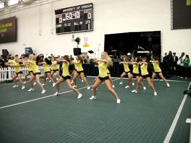 Oregon Ducks Dance Team
