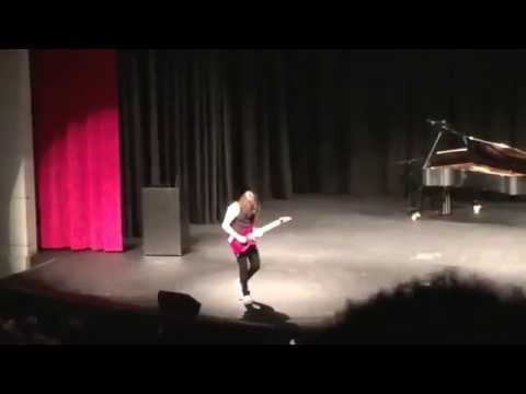 """16 YEAR OLD KILLS """"Eruption""""and """"Sweet Child o Mine"""" IN SCHOOL  TALENT SHOW!!!"""