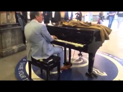 Aristakes playing the piano at Amsterdam CS