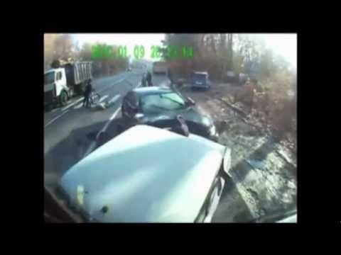 Жесть ДТП с пешеходами [видео нарезка 18+]