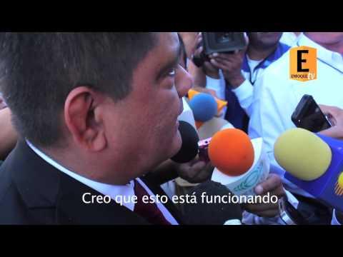 ESTUDIANTES DEL TECNOLÓGICO DE TEPIC IRRUMPEN EN DESFILE DEL 20 DE NOVIEMBRE
