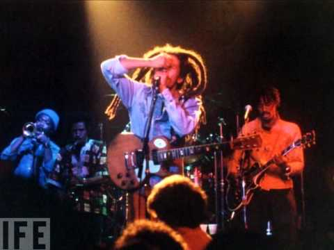 Bob Marley and the Wailers -  Santa Cruz, CA 1979 12 02 Complete Early Show A+