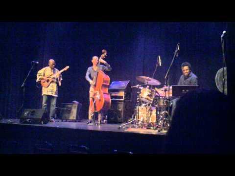 Lionel Loueke was an interstellar griot at Jeff Center rehearsal hall last week