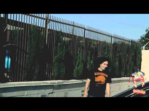 Tony Cervantes boardslide long kink handrail