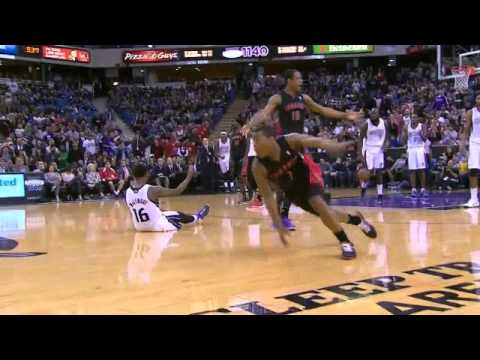 Kyle Lowry called for offensive foul at end of Kings-Raptors