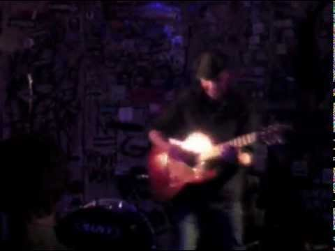 Classical Guitar in the Punk Rock Club (Daryl Shawn at The Milestone, Charlotte NC)
