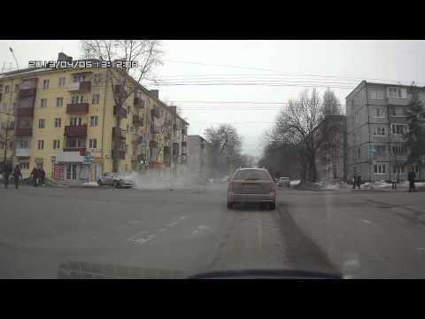 ДТП в Вологде. Пролетел на красный