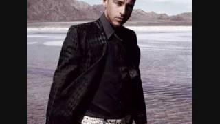 Watch Eros Ramazzotti Huracan Meri video
