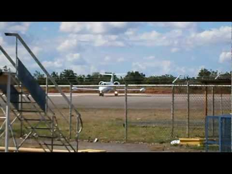 Bombardier Learjet 35 N92TS y Bombardier Learjet 45 YV2565 Aeropuerto de San Tomé Venezuela