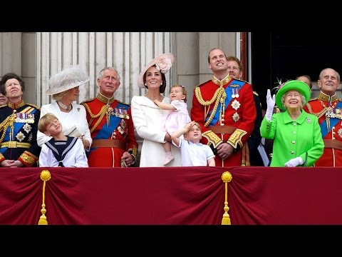 Queen Elizabeth Scolds Prince William on Buckingham Palace Balcony