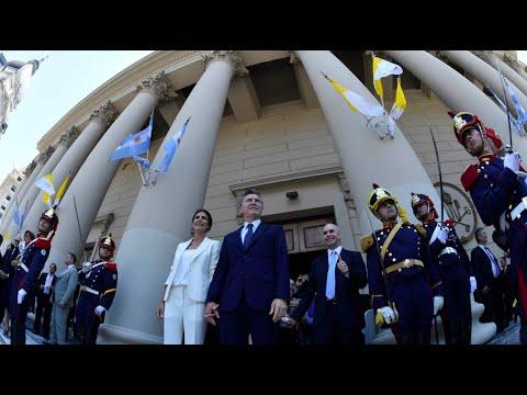 Macri prometió ante el arzobispo Poli ser instrumento de paz social