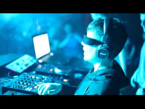 DJ Yura Bladе in night club BROOKLYN