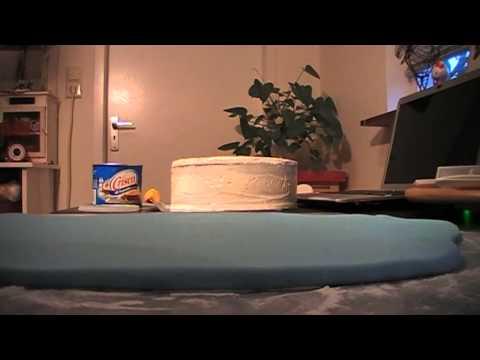 Como forrar una torta con fondant