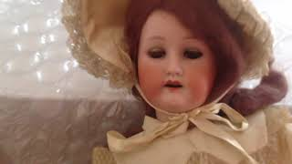 I'm back to give out lots and lots of free dolls.