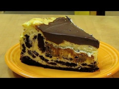 Cookies and Cream Cheesecake (Oreo Style)