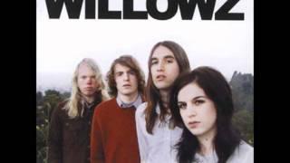 Watch Willowz Cons  Tricks video