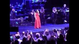 "Laura Pausini sings ""La solitudine"" (la soledad), NYC 6 March 2014 @ Theater at MSG"