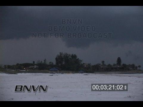 6/21/2006 Sarasota, FL Siesta Beach Dusk Lightning