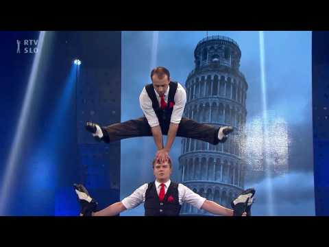 acrobatic troupe, human piramids, , # 123 , represented by  Stefani Art Agency