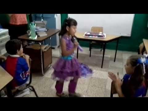 Sofia-Estrella y princesa del pop- kyra Cumple 5años 20130612