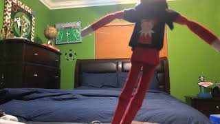 Elf on the shelf caught moving not click bait😱