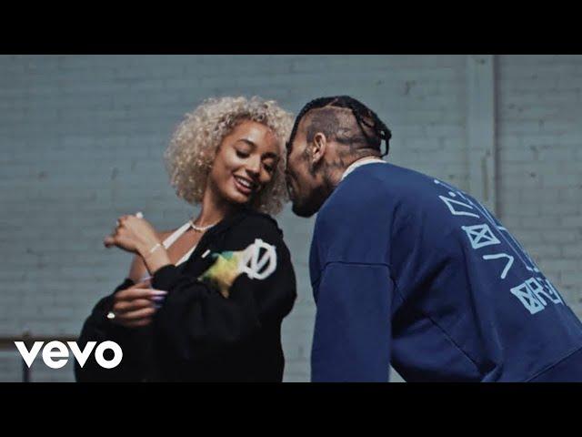 DaniLeigh - Easy (Remix) ft. Chris Brown thumbnail