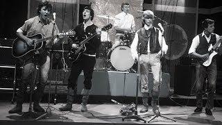 Watch David Bowie Liza Jane video