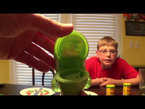 Sour Gauntlet : Warheads, Toxic Waste, Sour Flush, Smog Balls Challenge