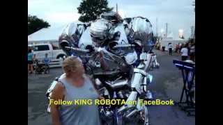 Funniest Robot In The World EVER! KING ROBOTA