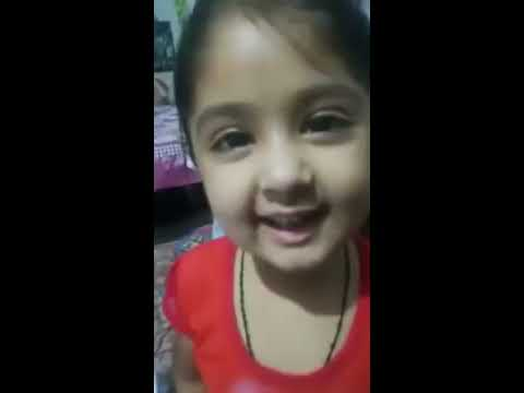 Cute girl child Fatima Argues with mother for money Funny Pakistan fight mom Viral Siyasi Bachi vide