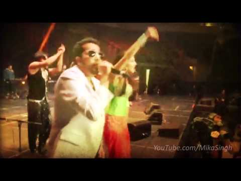 Mika Singh And Sunny Leones Live Performance