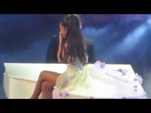Ariana Grande Cries During My Everything-Honeymoon Tour NYC