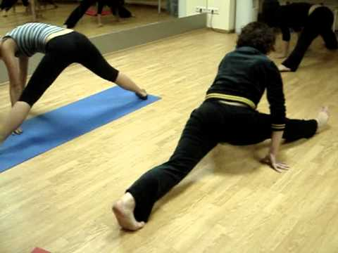 Стретчинг/Растяжка в центре, шпагат, обучение танцам